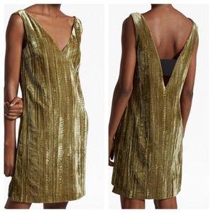 Velvet v neck dress